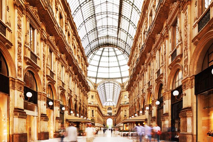 Milan - intérieur du grand magasin Galleria Vittorio Emanuele II