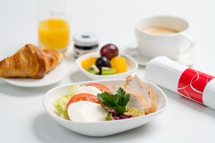 Gourmet Menu - Cold Chicken Breakfast served aboard Czech Airlines flights