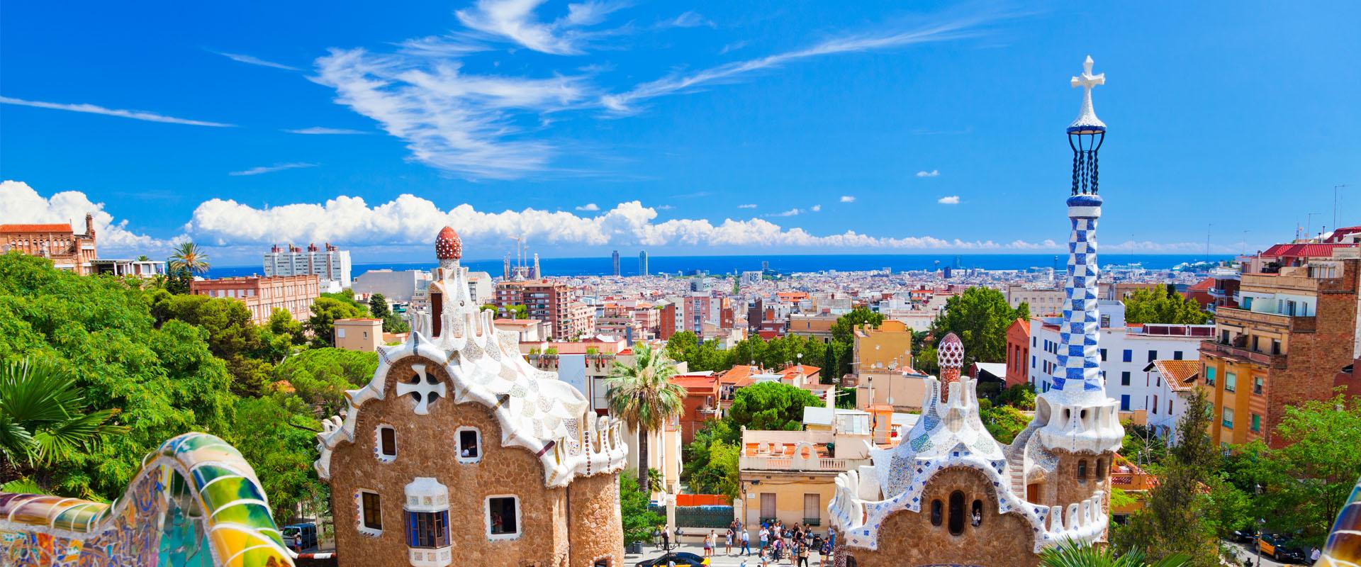 Barcelona - Aussicht aufs Stadtpanorama und den Park Güell