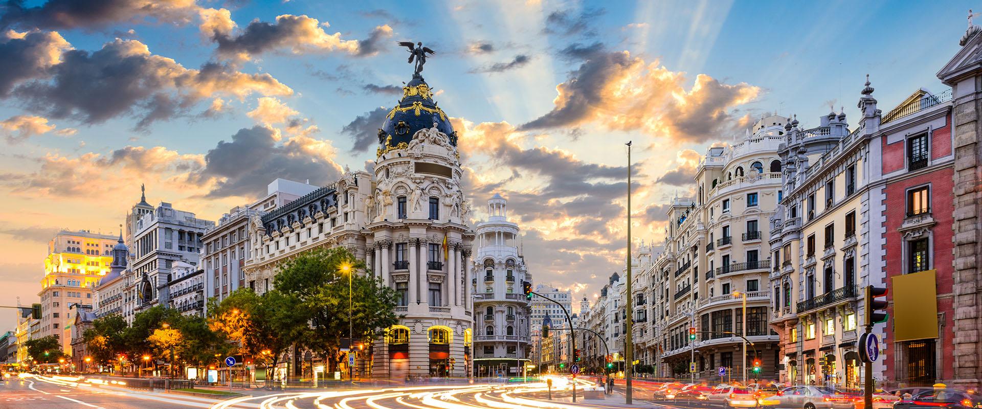 Madrid - veduta panoramica sulle strade principali Calle de Alcalá e Gran Via